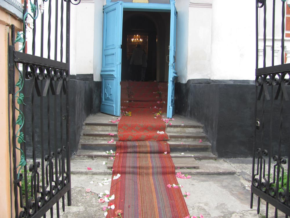 Спасо-Преображенська церква зустрічає гостей