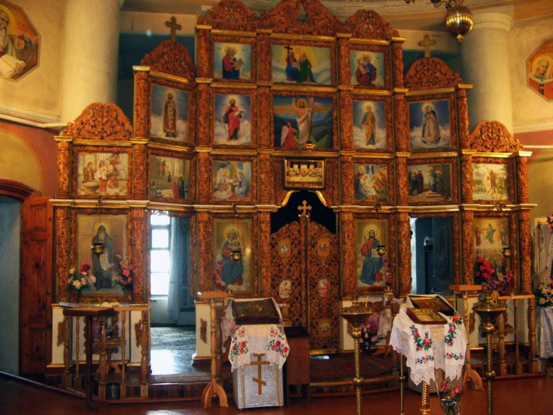 Іконостас Спасо-Преображенської   церкви. Нині діючої